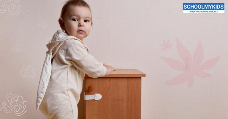 कैसे घर को बनाएं चाइल्ड प्रूफ होम – 12 टिप्स – ट्रिक्स- Childproofing your home in Hindi