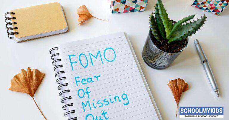 फोमो: कितना जानते हैं आप इस बारे में ?How to Deal With FOMO in Hindi