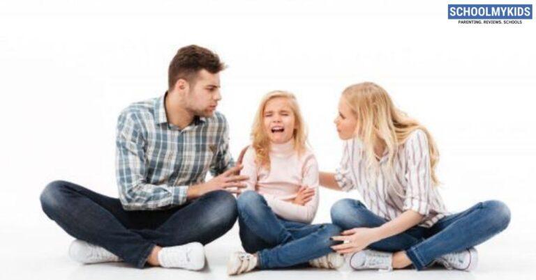 कैसे संभालें अपने अटेंशन सीकिंग बच्चे को – How to Handle an Attention Seeking Child in Hindi