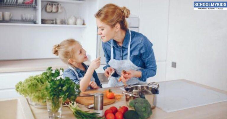बच्चों के साथ कुछ कुकिंग हो जाए- Fun Cooking Activities with Kids in Hindi