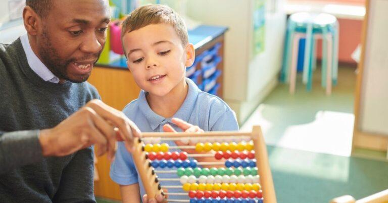 छोटे बच्चों को खेल – खेल में सिखाएं मैथ्स
