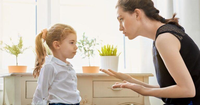 क्या आप भी अपने बच्चे को इमोशनली ब्लैकमेल करते हैं? (Parents Emotionally Blackmailing Kids)