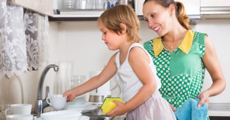 10 टिप्स: बच्चों को कैसे बनाएं व्यवस्थित – Tips to Get Your Child Organized