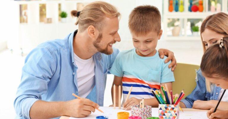 इन 5 तरीकों से करें बच्चे की मदद स्कूल में बेहतर प्रदर्शन के लिए